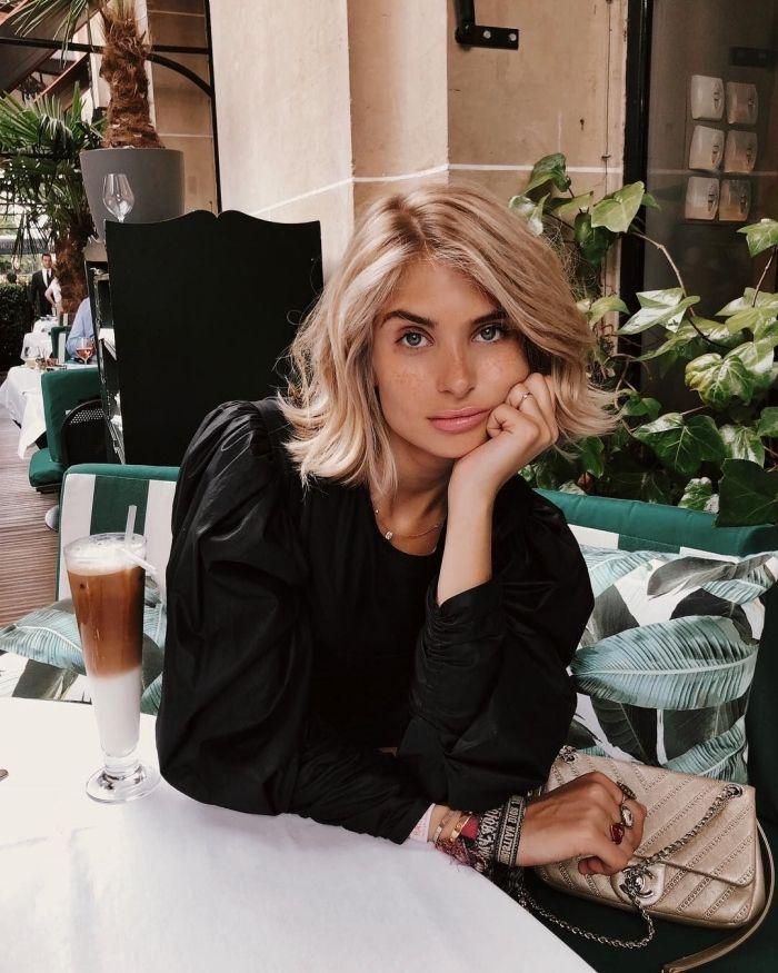 1001 + idées inspirantes pour adopter le carré blond   Carré blond, Coiffure carré court, Carré ...