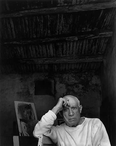 Pablo-Picasso_Vallauris_France_1954_Photo-by-Arnold-Newman.jpg (480×605)
