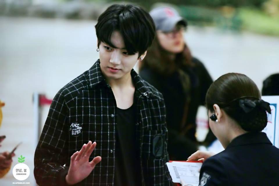 [141122] BTS @ Gimpo Haneda Airport