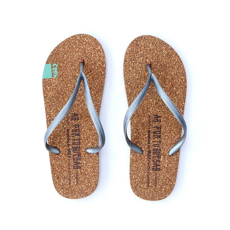4311b89dcb99e As Portuguesas são sandálias de praia feitas em cortiça. Não são nem ...
