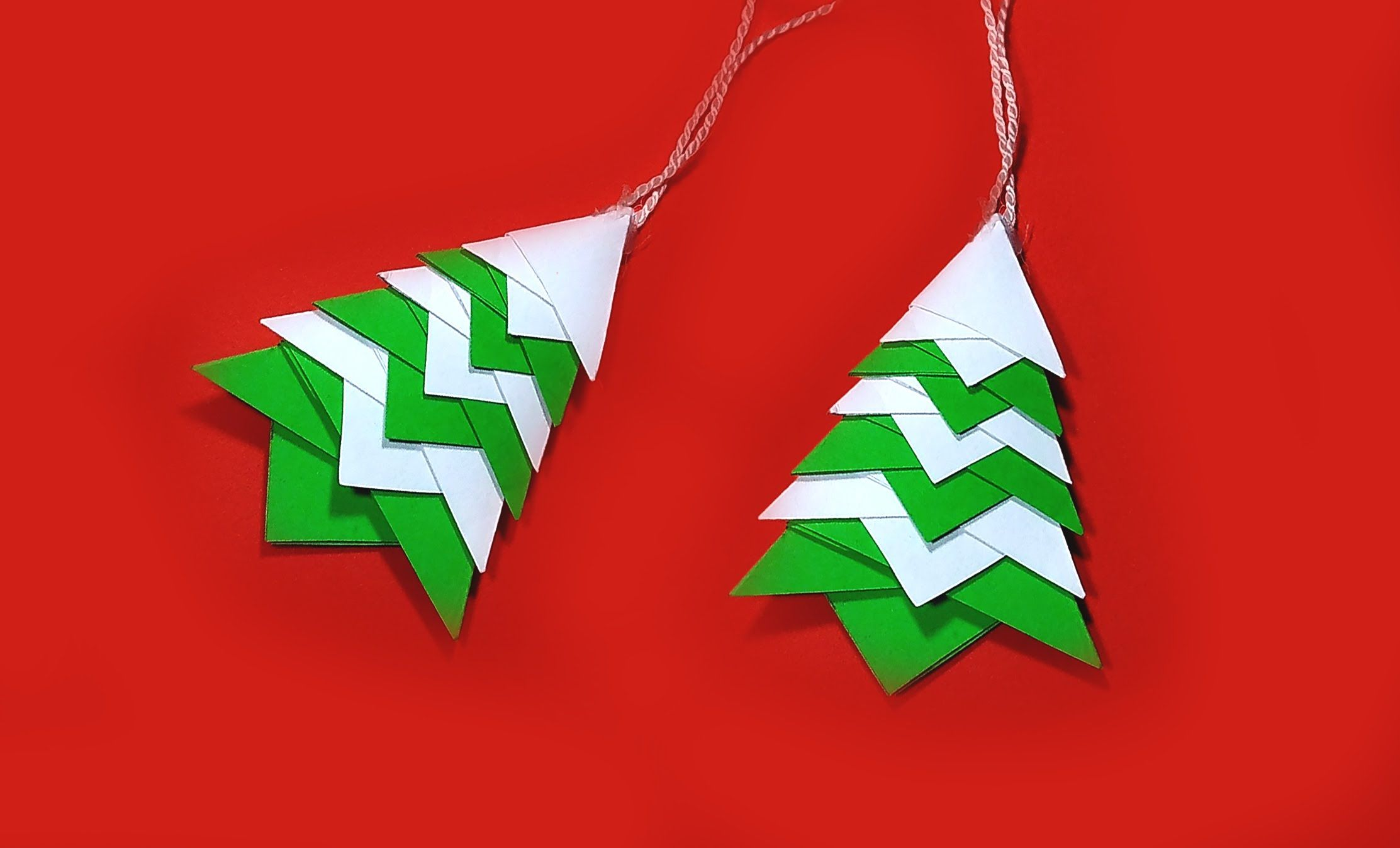 Quick origami Christmas tree! Great ideas for Christmas decoration and o...