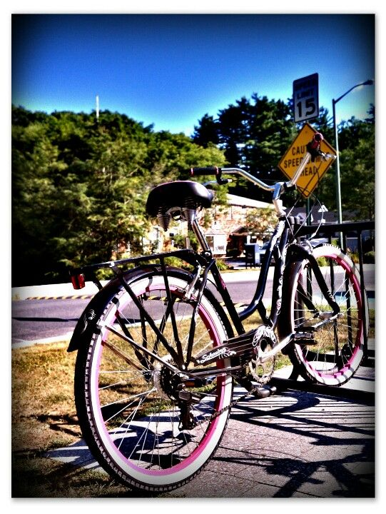Bicycle. In western MA. Photographer: Dan Villeneuve