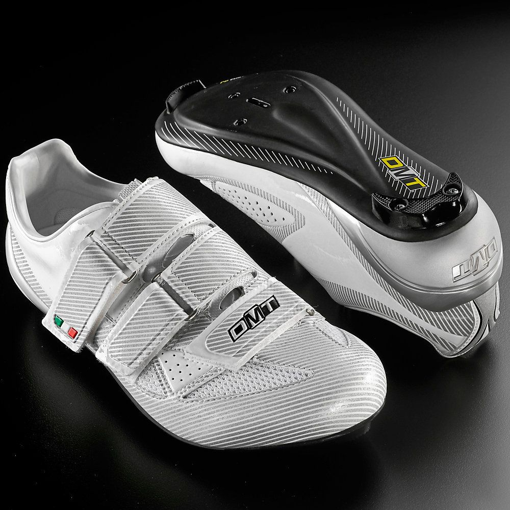 DMT Libra SPD-SL Road Shoes  #CyclingBargains #DealFinder #Bike #BikeBargains #Fitness Visit our web site to find the best Cycling Bargains from over 450,000 searchable products from all the top Stores, we are also on Facebook, Twitter & have an App on the Google Android, Apple & Amazon PlayStores.