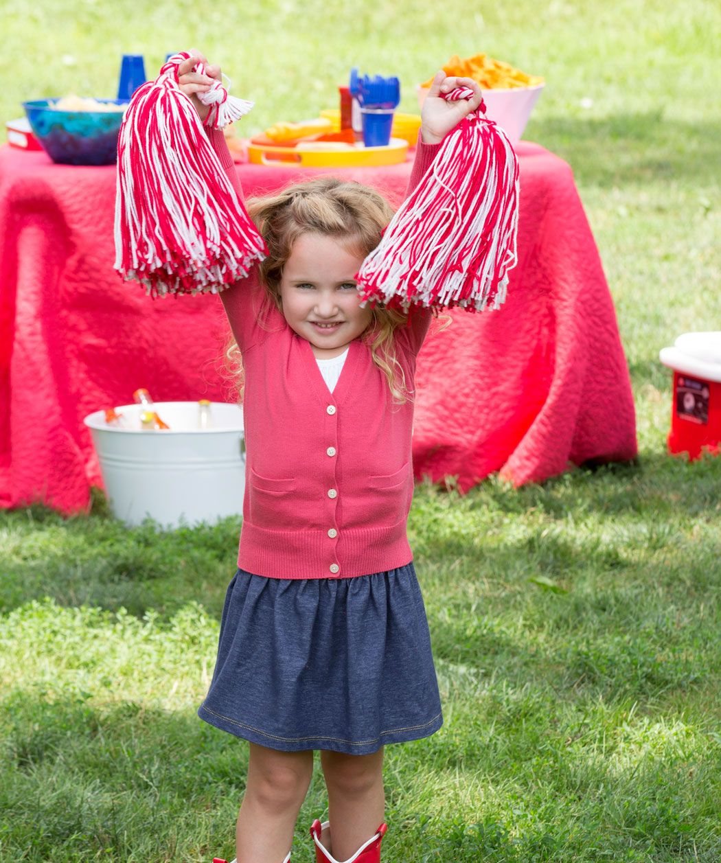 Cheerleading Pompoms Free Craft Pattern from Red Heart Yarn | New ...