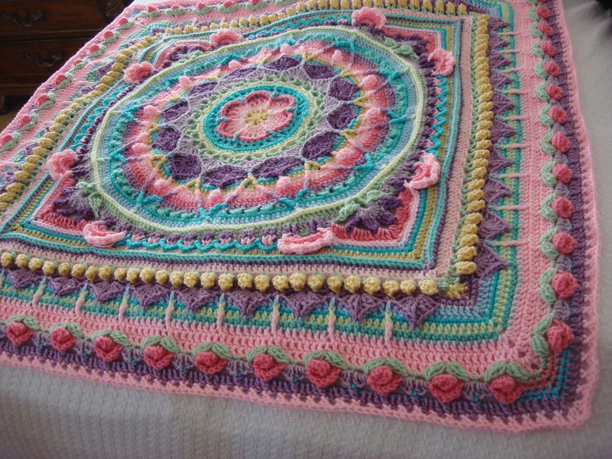 Baby blanket ~ Core pattern is Sophie\'s universe | crochet ...