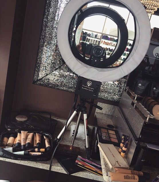 Makeup Ring And Lights: Diva Ring Light And Regular Size Stand To Do A Vlog