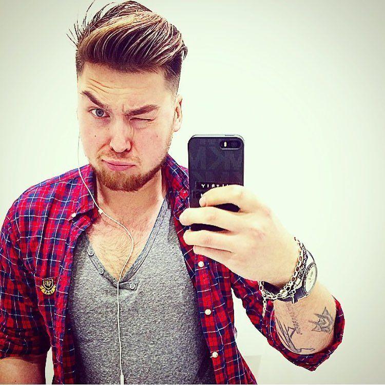 Good evening NY!!!  #nyc #morning #goodevening #sun #smile #dude #man #guy #gay #bear #beard @bearscubsandscruff #bestwoof #woof #wakeup @barebeef @oneforman #oneforman #bearscubsandscruff #gaycub #followme #gaytops #top #gayboy #gayman #gaychub by p_dimitrian