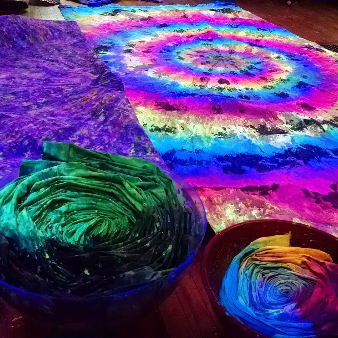 Trippy Blacklight Tapestries | Tapestries | Pinterest | Tapestry ...