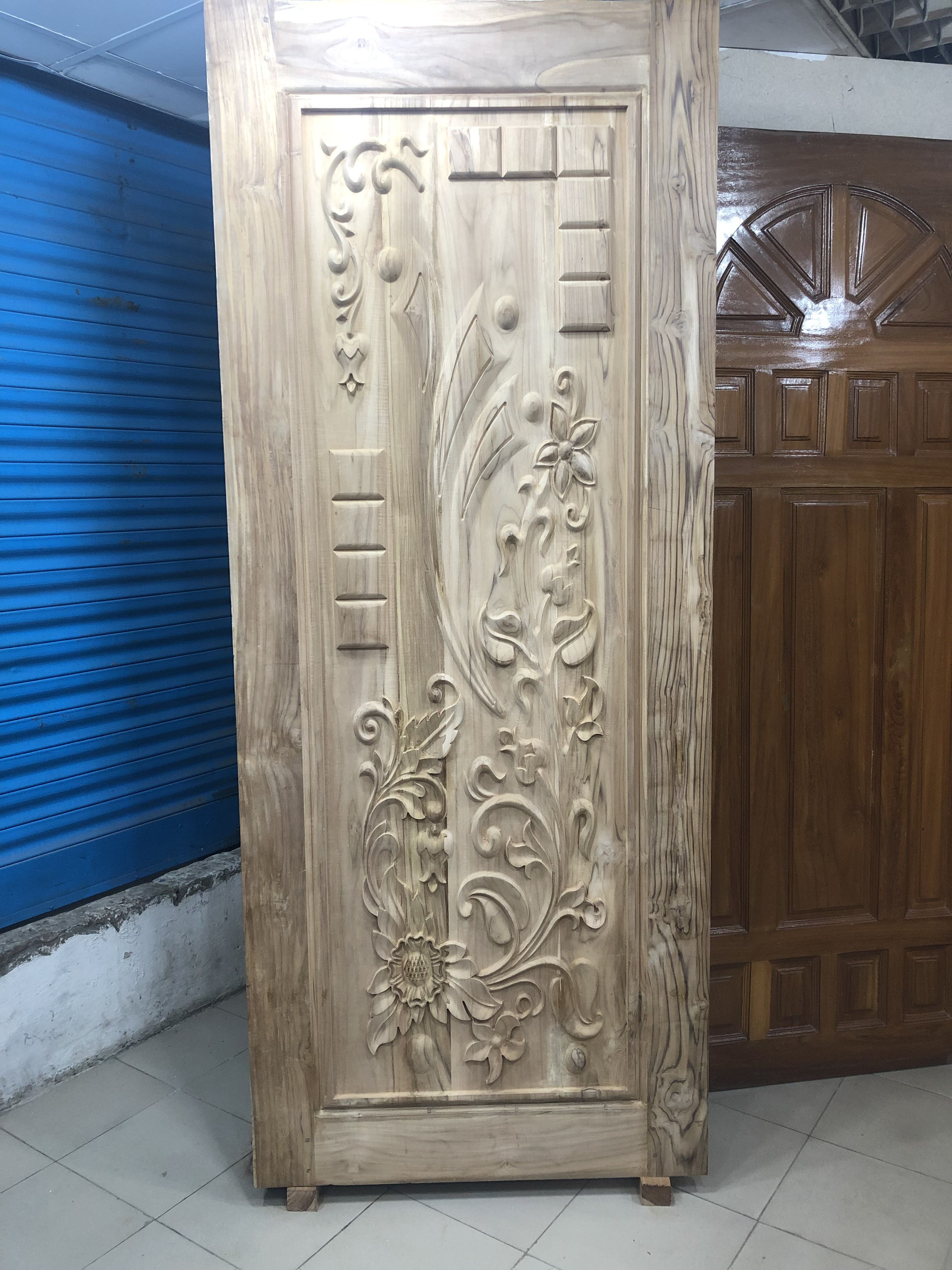Solid Wooden Door Chittagong Shegune Price 18500 231 25 Contact 01684246063 Wooden Front Door Design Entrance Door Design Wooden Door Design