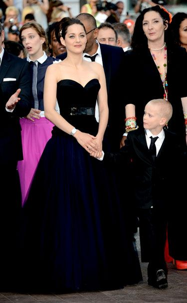 Cannes 2012 - Marion Cotillard in Christian Dior haute couture - Day 2 (montée des marches De Rouille et d'Os, Jacques Audiard) - Harper's BAZAAR