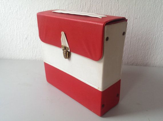 Vintage Vinyl Record Storage Case Box Made In The 1950s Red Etsy Vinyl Record Storage Record Storage Vintage Vinyl Records