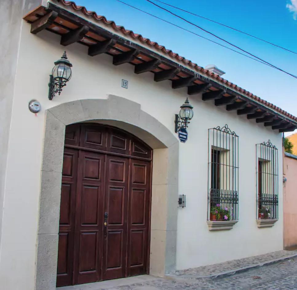 fachada estilo colonial antigua guatemala fachada en