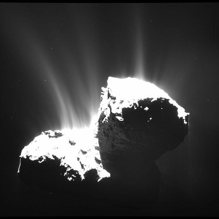 La última foto, por ahora, que nos ha mandado Rosetta del cometa 67P desde 30km de distancia (ESA,2014)
