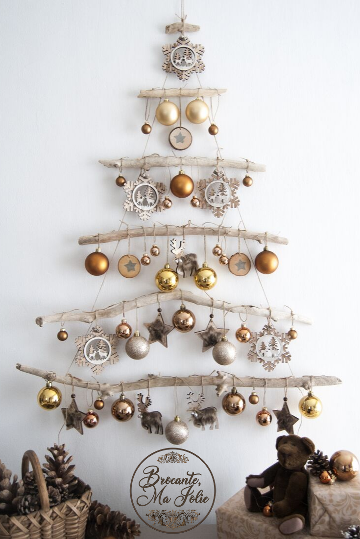 Looking For A Unique Decor For Your Christmas 2019 This Wall Mounted Christmas Tree In Driftwood Christmas Tree Wall Mounted Christmas Tree Christmas Holidays