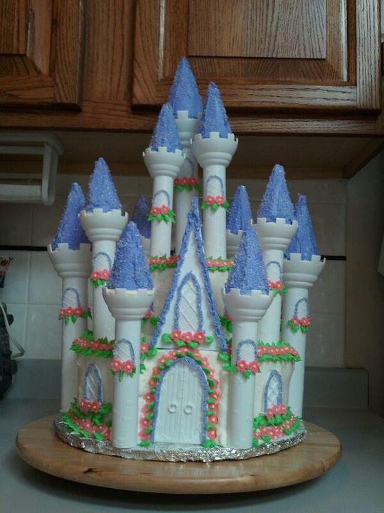 Huge castle cake   Castle cake, Party decorations ...