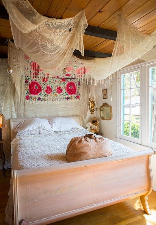 50 schlafzimmer ideen im boho stil in 2019 bett. Black Bedroom Furniture Sets. Home Design Ideas