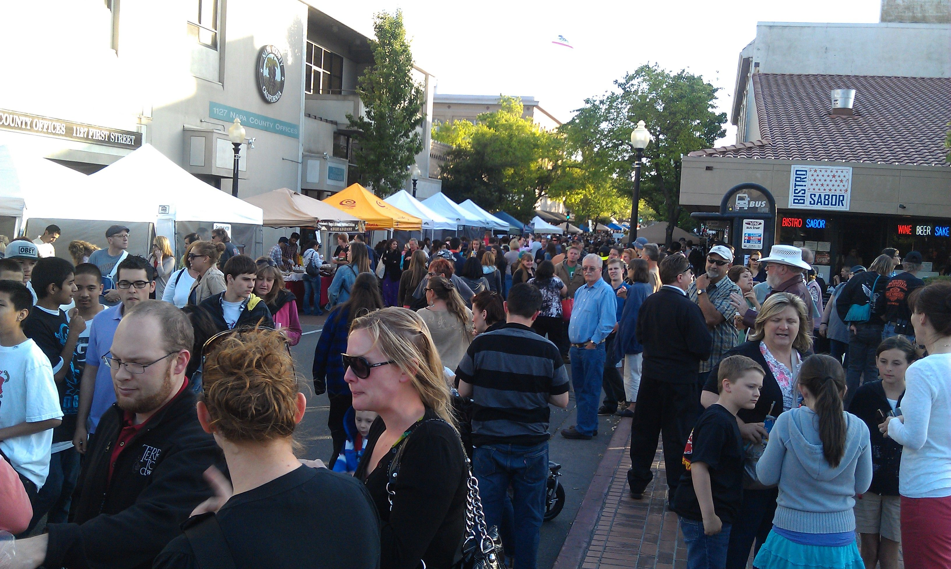 A Thursday Night At Chefs Market Downtown Napa