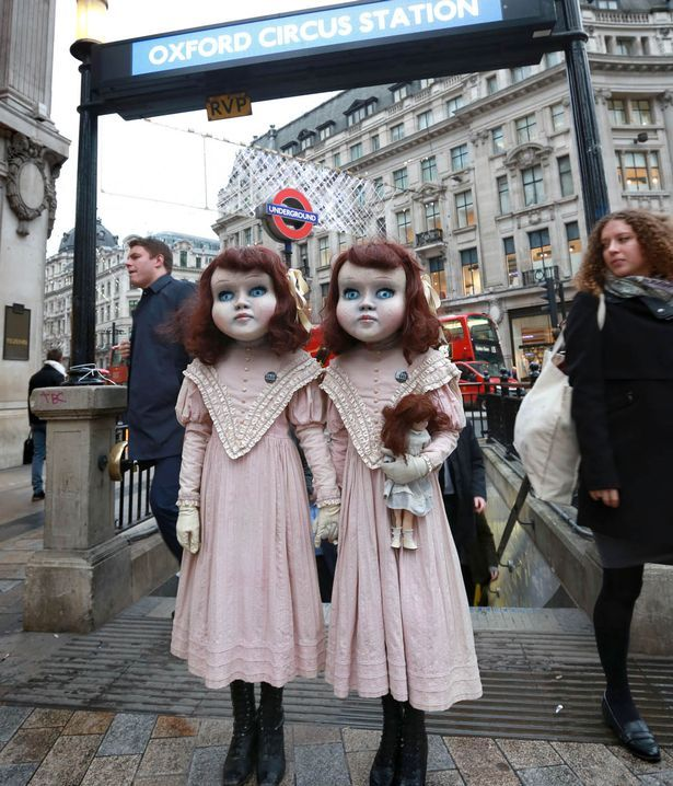 Victorian 'living dolls' give commuters the creeps - Derren Brown's to blame #victoriandolls