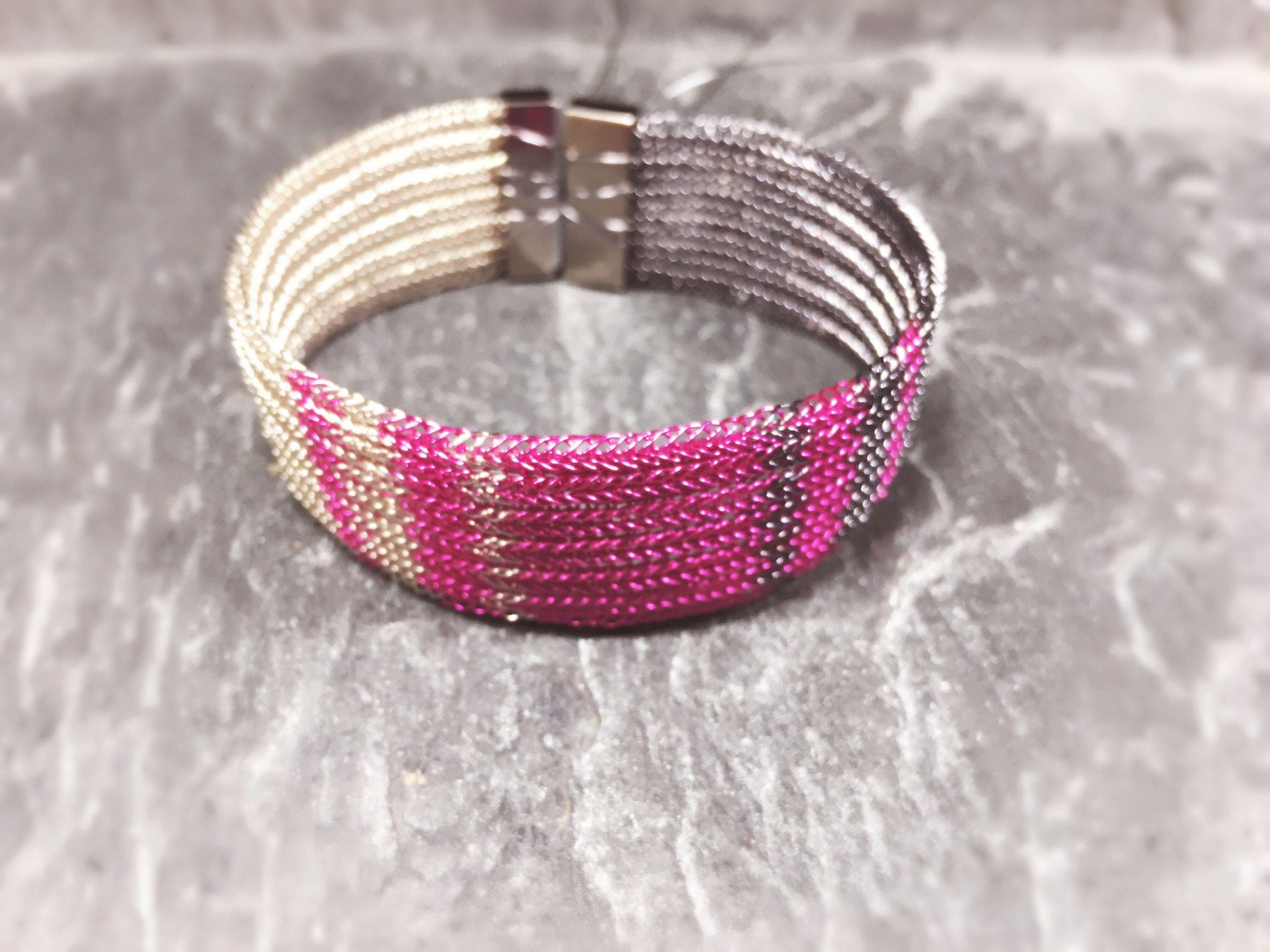 Armband tricolor graphit-pink-silber | Schmuck | Pinterest | Draht ...