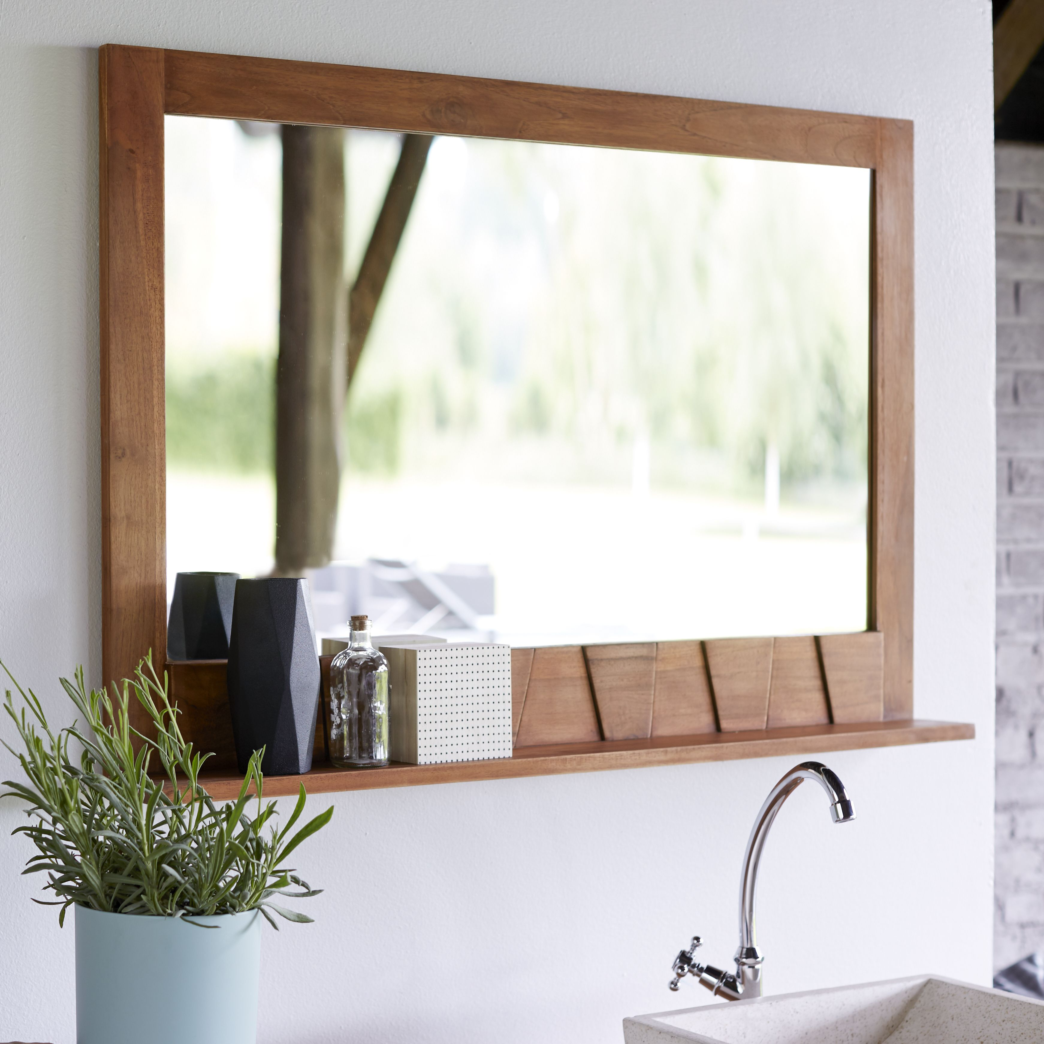 Take A Look At The Beautiful Bathroom Wash Unit And Column