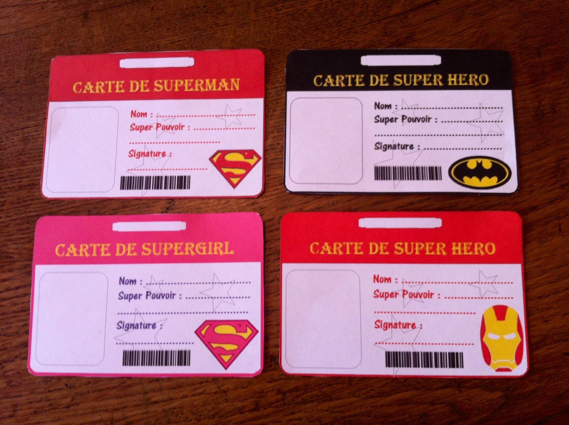 badges cartes de super heros a