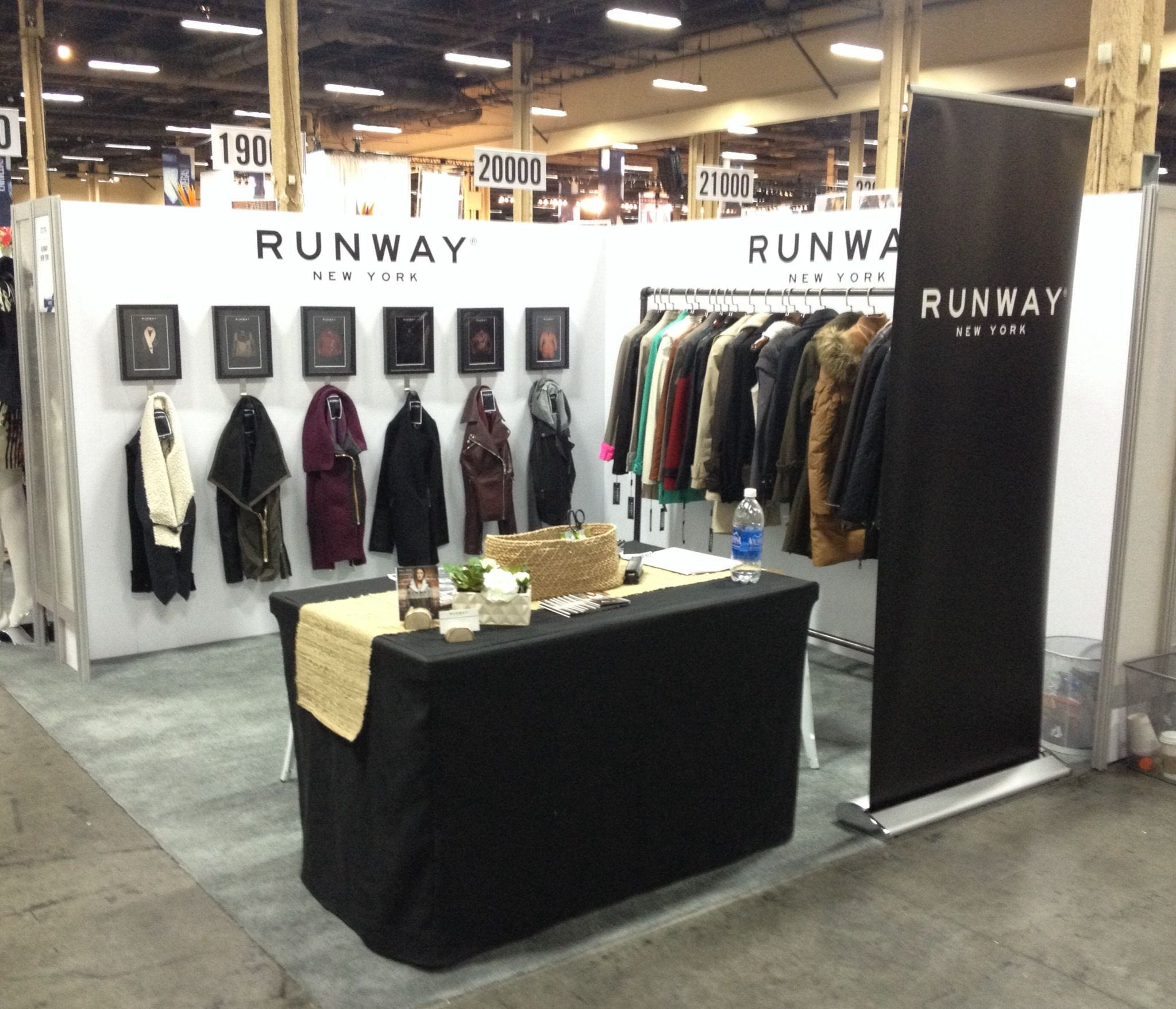 Enkvegas 2014 Las Vegas Nv Fashion Trade Show The Runway New York Booth Blanc Noir