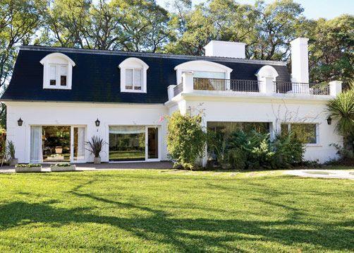Estudio farina vazzano casas casa estilo casas y for Casas estilo frances clasico