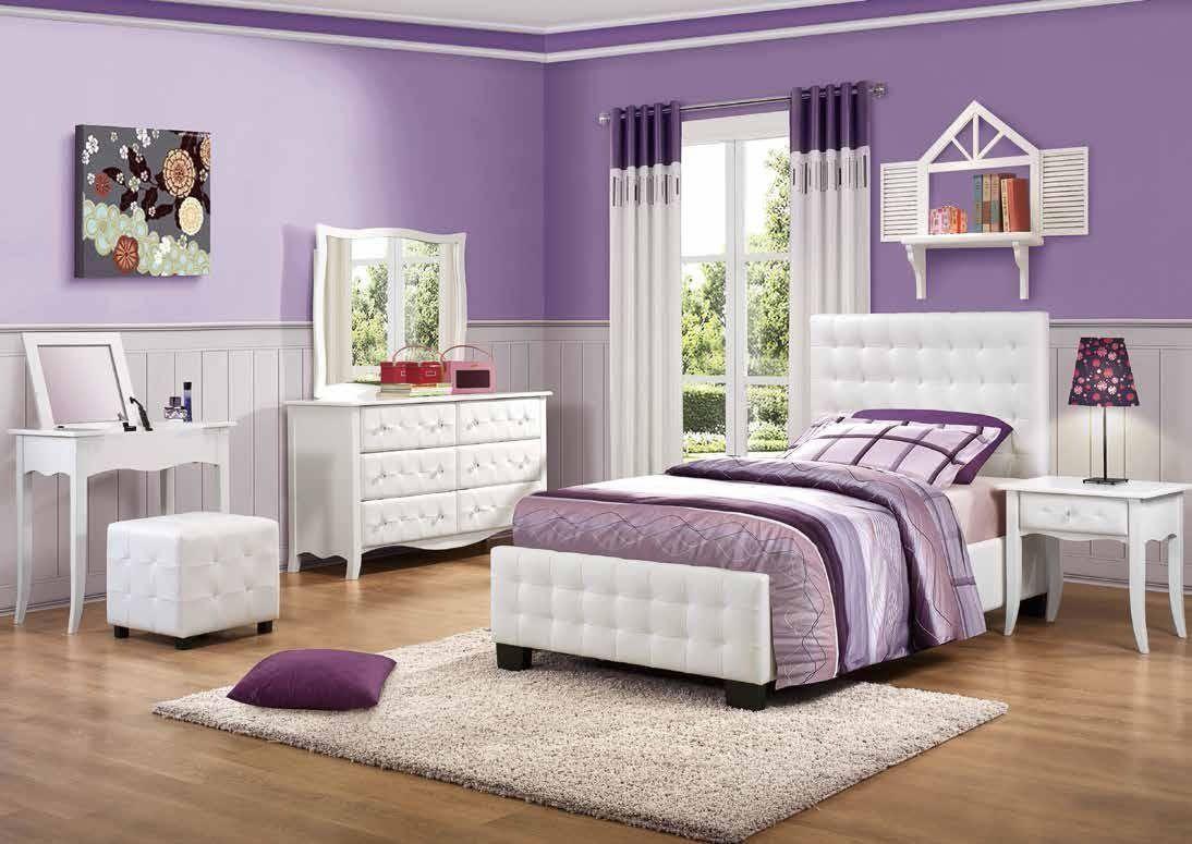 tapeten schlafzimmer flieder ideen schlafzimmer grau schwarze kommode wandfarbe f r gesucht. Black Bedroom Furniture Sets. Home Design Ideas