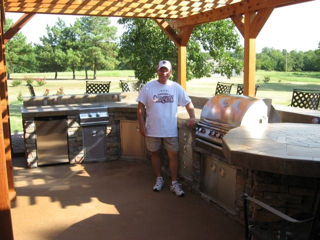 Pat Wilkerson Of Texas Used The Bbq Coach System Diy Outdoor Kitchen Dream Backyard Brick Patios