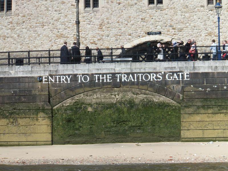 Der alte Eingang zum Tower - von der Themse aus