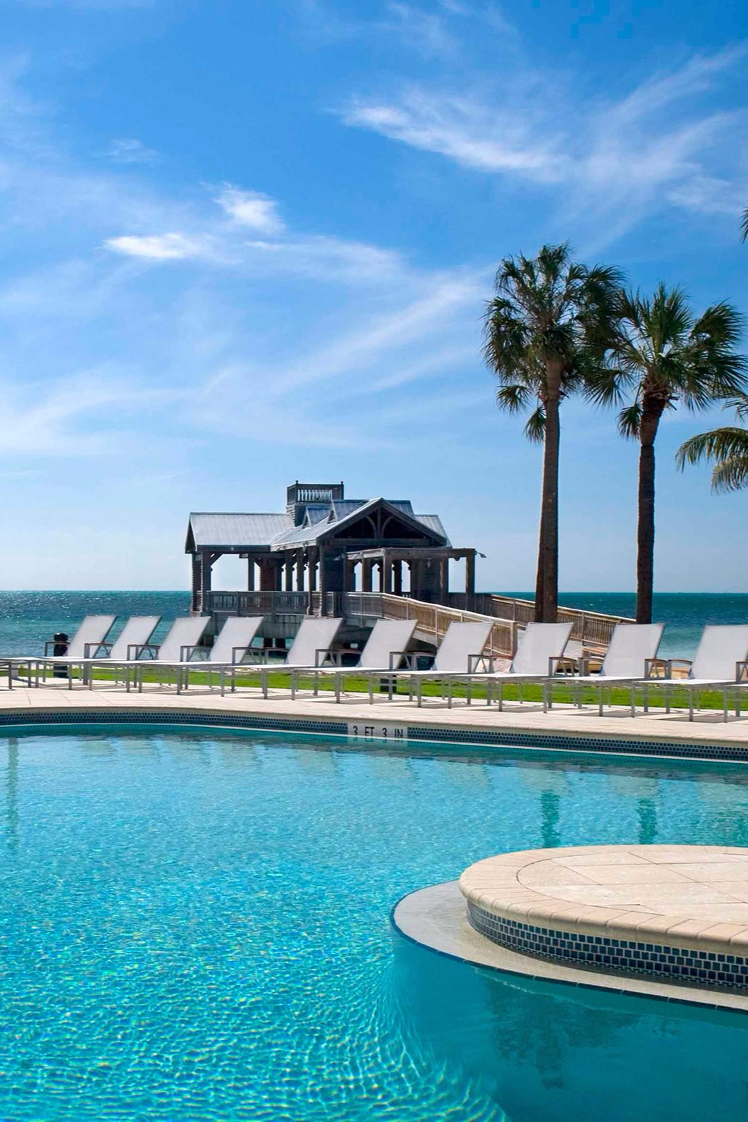 Key West Resorts >> The Reach A Waldorf Astoria Resort Key West Fl Us
