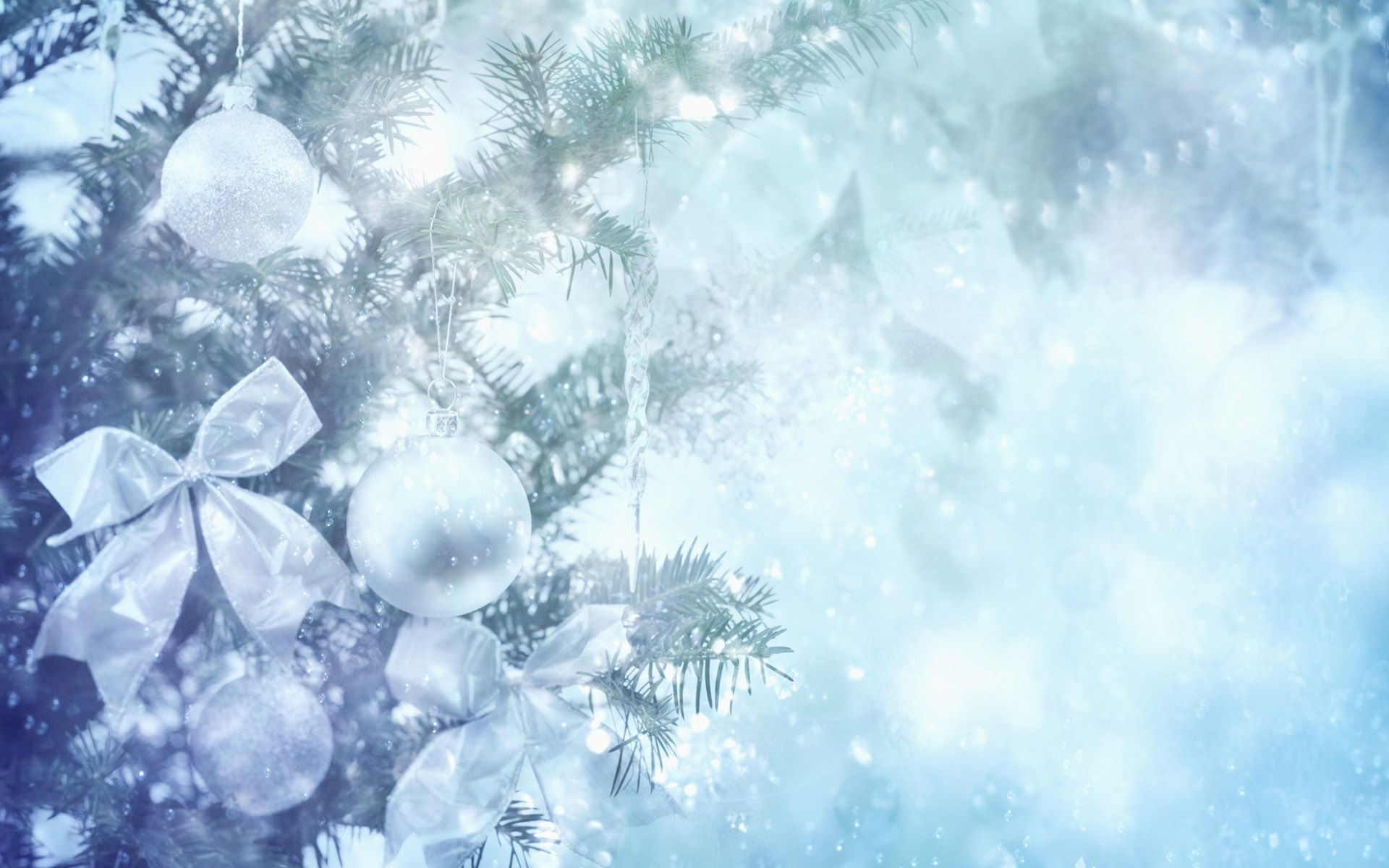 Light Blue Ornaments   Christmas Backgrounds & Wallpapers ...