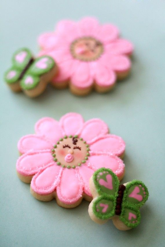 Baby Girl Flower Cookies -- @Jaime Rinehart - look how cute these ...