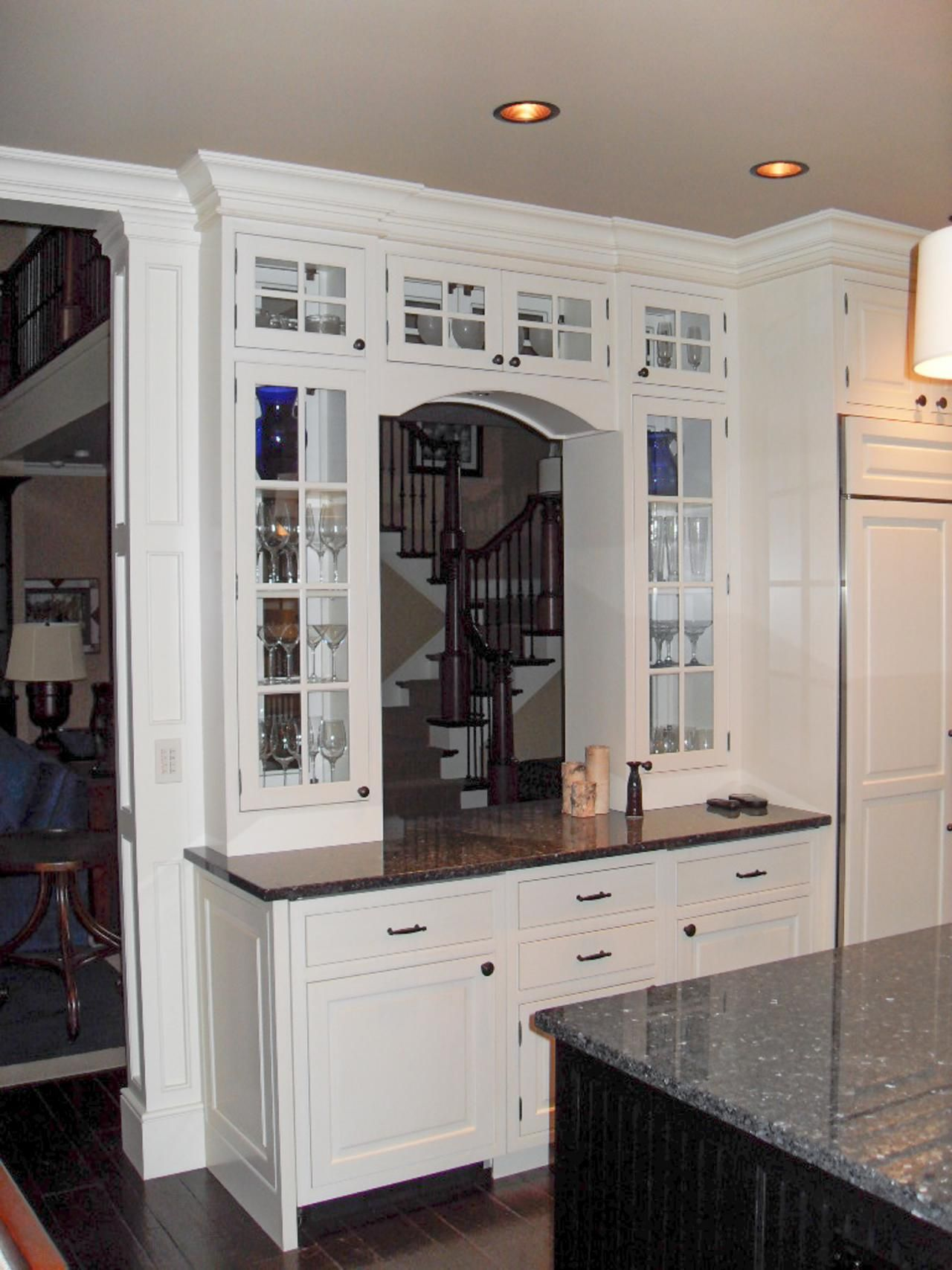 Transitional Kitchen Pass Through Opens Up Space Kitchen Pass Transitional Kitchen Kitchen Inspiration Design