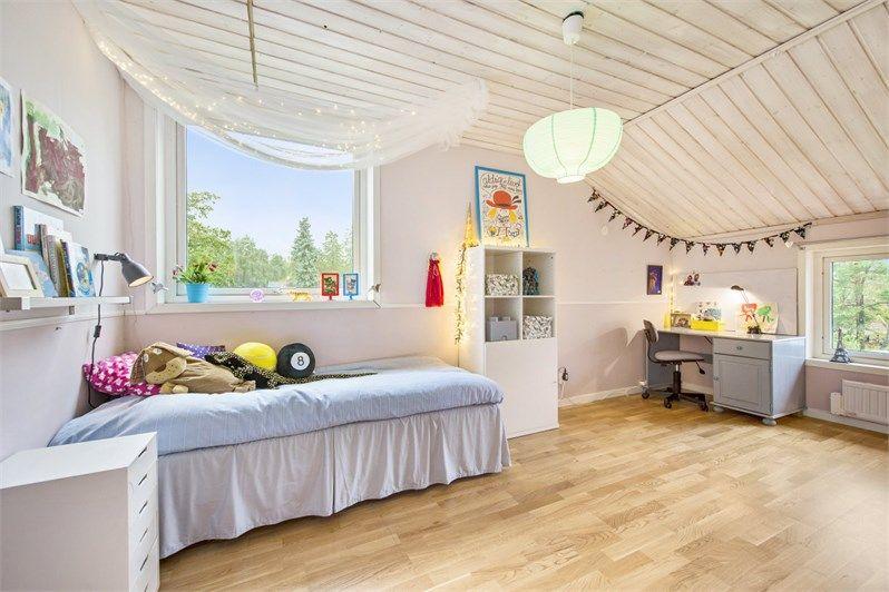 Kronovägen 27, Töjnan, Sollentuna - Fastighetsförmedlingen för dig som ska byta bostad