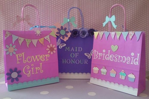 Cute Wedding Gift Bag Ideas : cute containers for a wedding gift bags flower girl gif pinterest ...