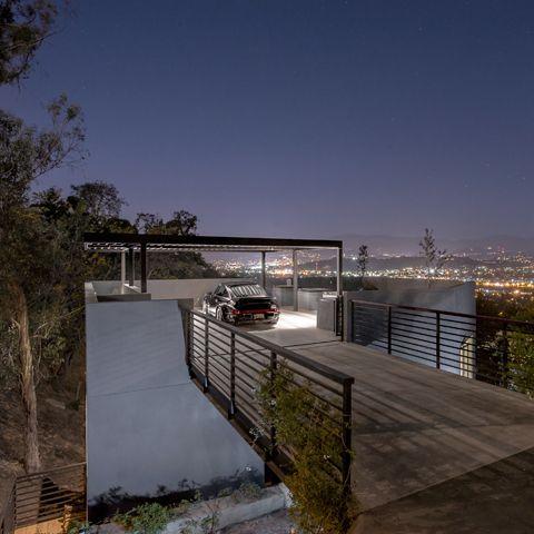 Exceptional Deck Terrace Carpot Flat Roof Modern House On Stilts