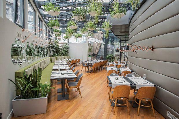 A corner garden / Inspiring projects: Berthelot's Modern Restaurant Design in Bucharest designed by 'Love Colours Studio' - see more at http://www.delightfull.eu/en/inspirations/contract/inspiring-projects-berthelots-modern-restaurant-design-bucharest/