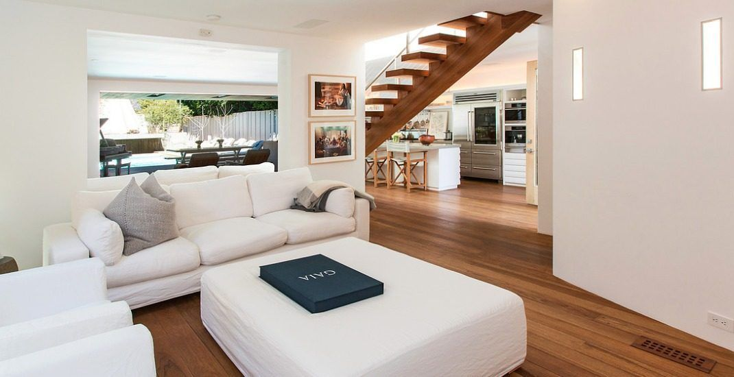 Pamela Anderson\'s House in Malibu   Malibu beach house, Malibu ...