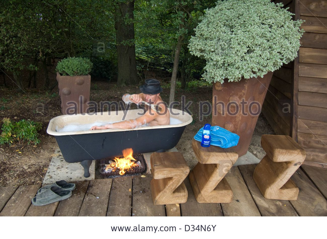 fire heated bath google search backyard hot tub. Black Bedroom Furniture Sets. Home Design Ideas