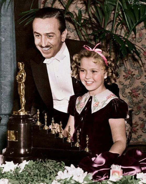 Walt Disney and Shirley Temple 1977  Oscar for Snow White and the 7 Dwarfs