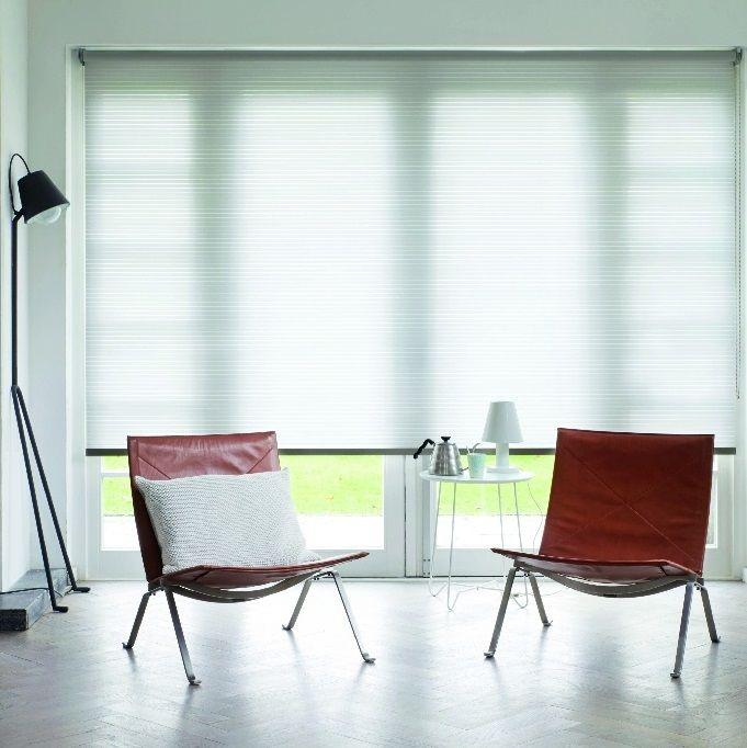 Vous pouvez également vous protéger du soleil avec une protection - store pour fenetre interieur