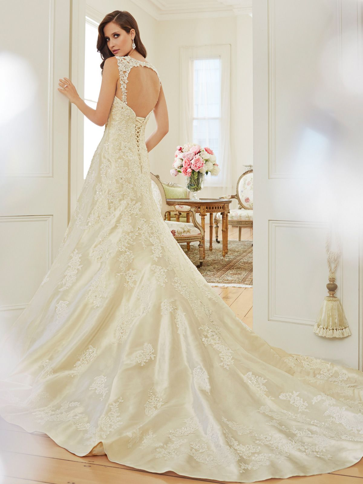 Sophia tolli style no ua y set the stage for romance with