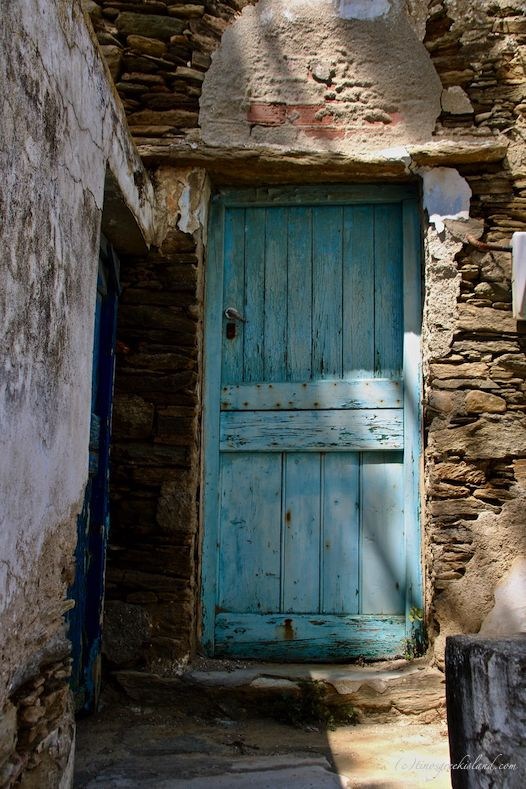 Old Doors And Windows In Aetofolia With Images Old Doors Gorgeous Doors Window Architecture