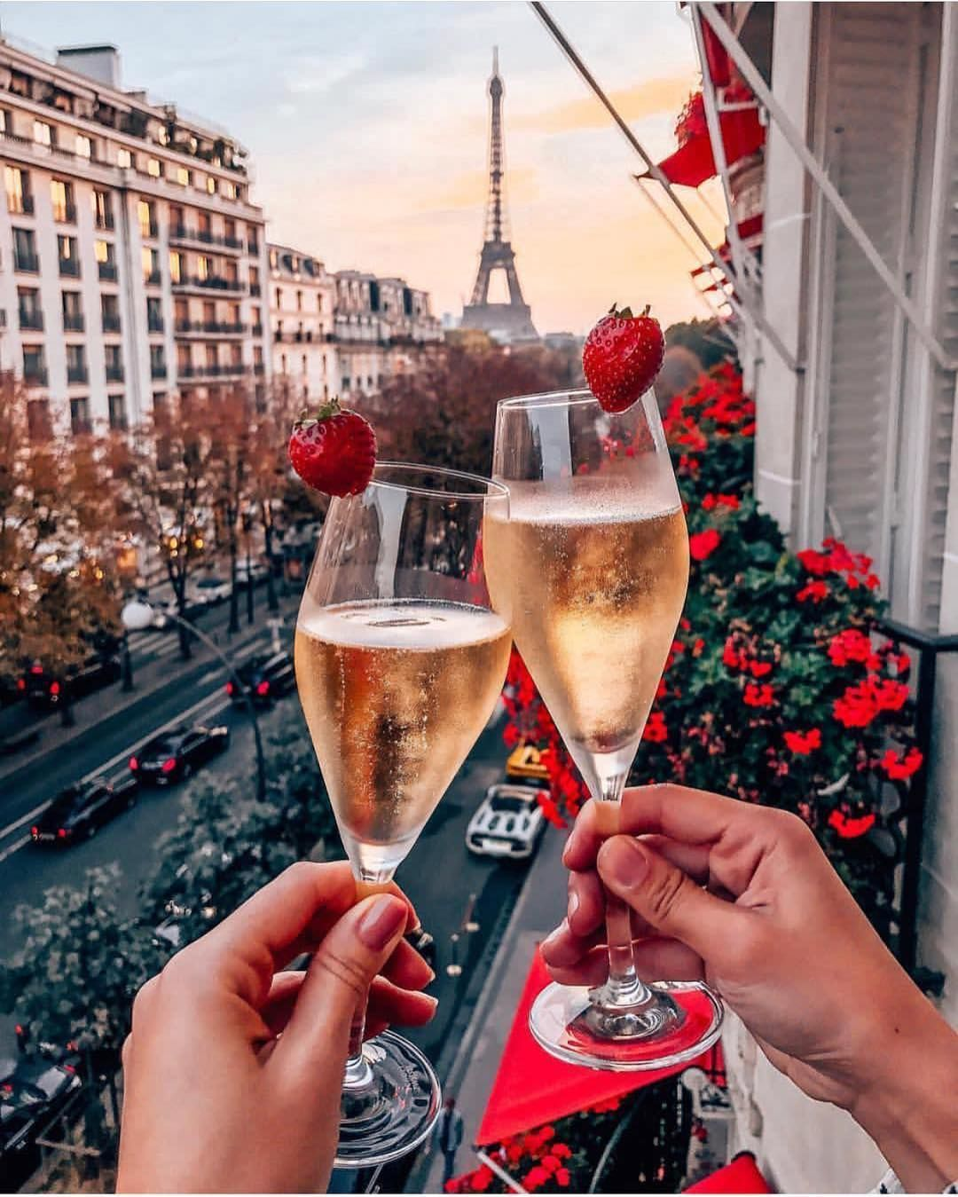 Beautiful Place To Relax Plaza Athenee On Of The Luxurious Hotels In The World Tag A Friend Who You D Take Here C Tour Eiffel Eiffel Tower Travel Logo