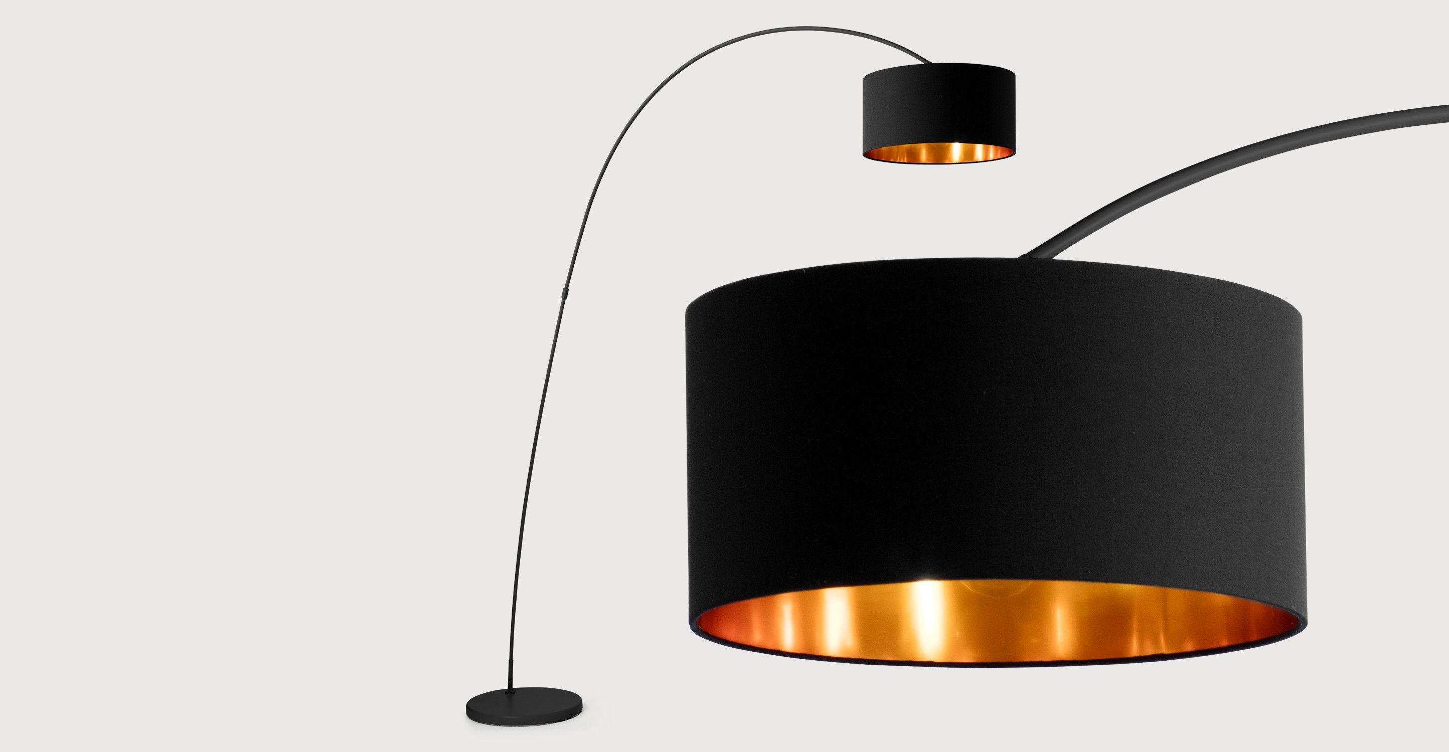 Mat zwart met koper boog lamp interieur inspiratie floor lamp