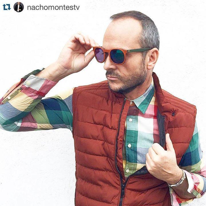 Nacho Montes ya tiene sus Norriss Glasses. Te quedan de lujo #SomosNorriss Hombres @Norriss Glasses Gafas de cuero fabricadas artesanalmente en España y mirando al mundo!