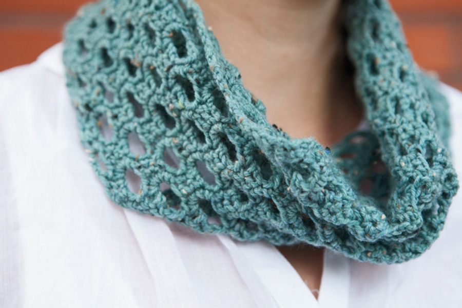 Swiss Tweed Crochet Cowl Pattern Knitting Patterns and