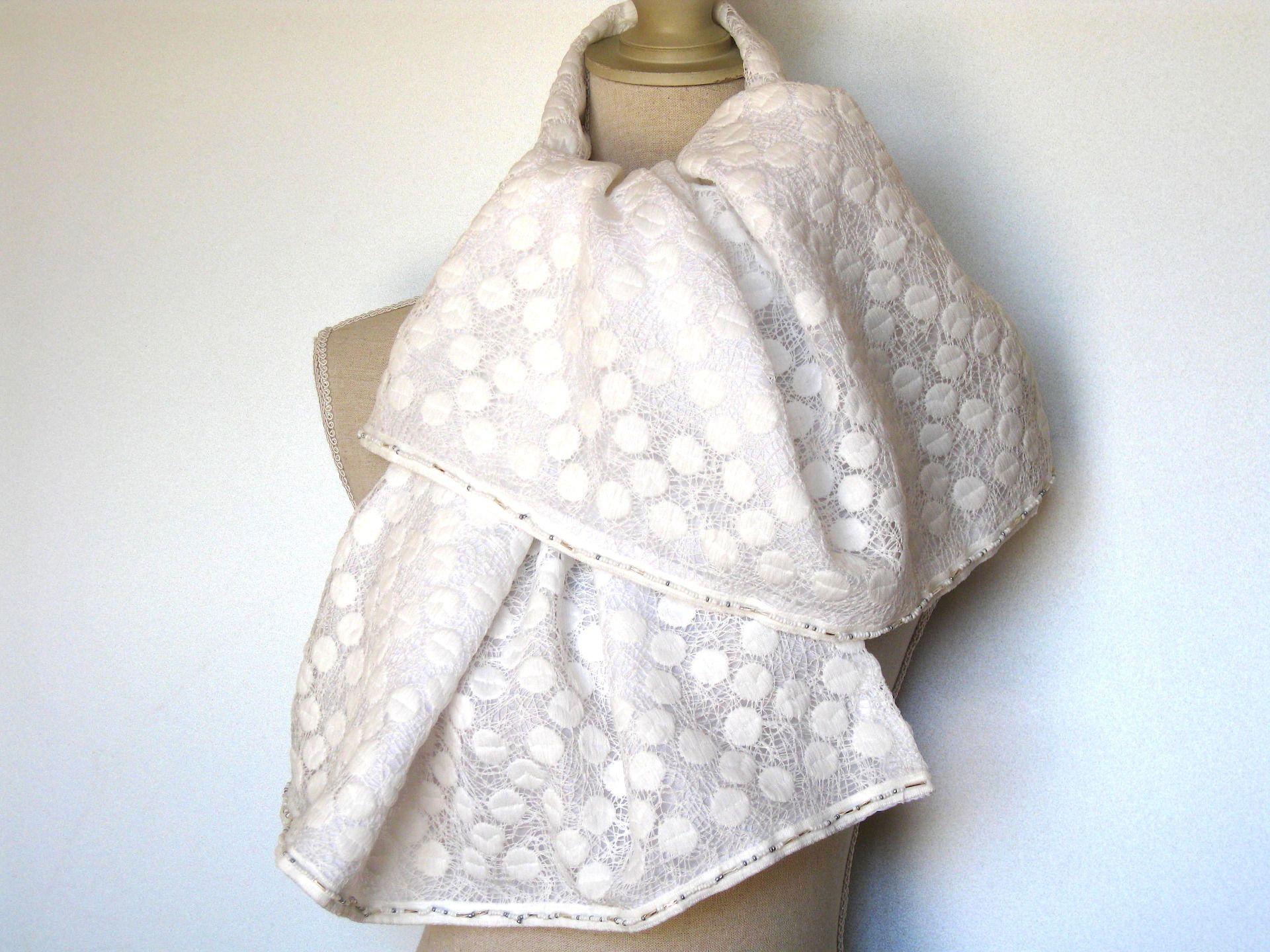 c3a11ba9fa9 Etole Echarpe Double En Dentelle De Coton Blanc Le Must Pour Mariage    Echarpe