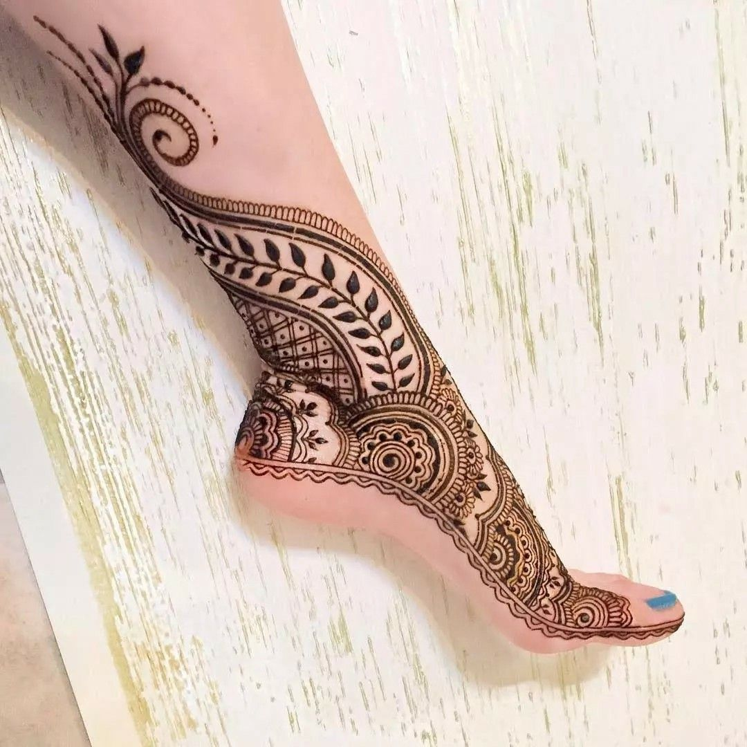 Henna Tattoo Designs On Foot: Side Foot Into Ankle Henna